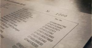 Wer ist die oder der Glückliche? Oben rechts ist sie, die Glücksnummer, die bis zu 2000 Euro wert sein kann.